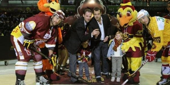 Octobre 2011 – Le Genève-Servette Hockey Club met à l'honneur l'Association Frédéric Fellay